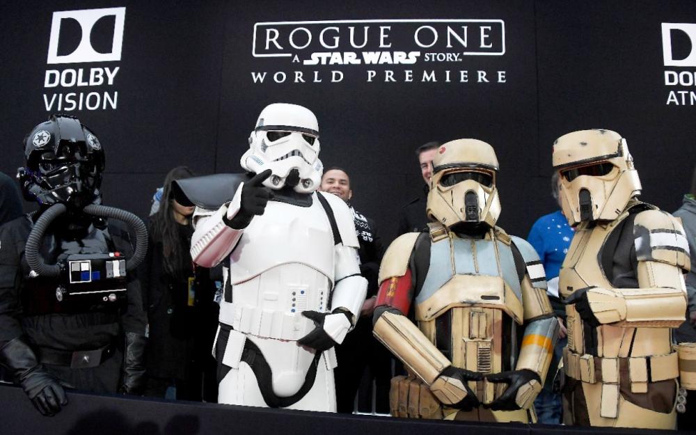 """Le nouveau """"Star Wars"""" écrase le box-office américain"""