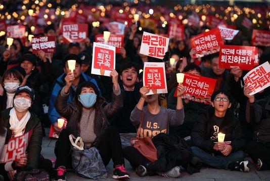 Nouvelle manifestation contre la présidente Park à Séoul