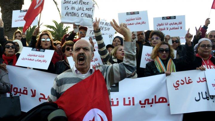 Manifestation à Tunis contre un retour des jihadistes tunisiens