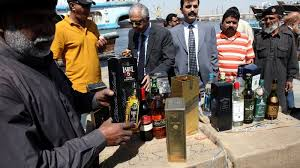 De l'alcool frelaté fait 24 morts au Pakistan