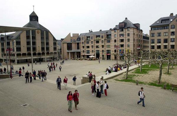 ENSEIGNEMENT ET EDUCATION - Le système de formation suisse compte 25% d'étrangers