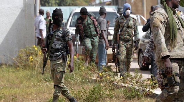 Côte d'Ivoire: les mutins contrôlent les accès à Bouaké sous tension