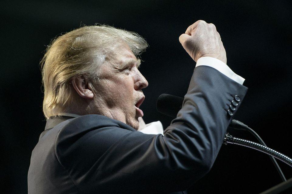"""A partir de maintenant, ce sera """"l'Amérique d'abord"""", affirme Trump"""