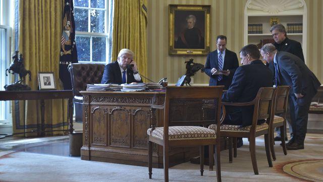 """Poutine et Trump d'accord pour """"développer"""" des relations """"d'égal à égal"""""""