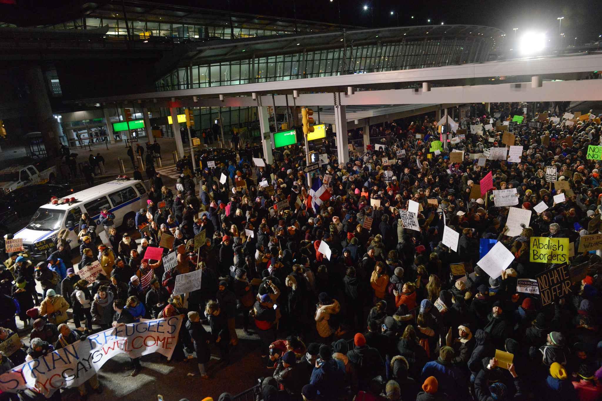 Immigration : Levée de boucliers mondiale contre le décret Trump