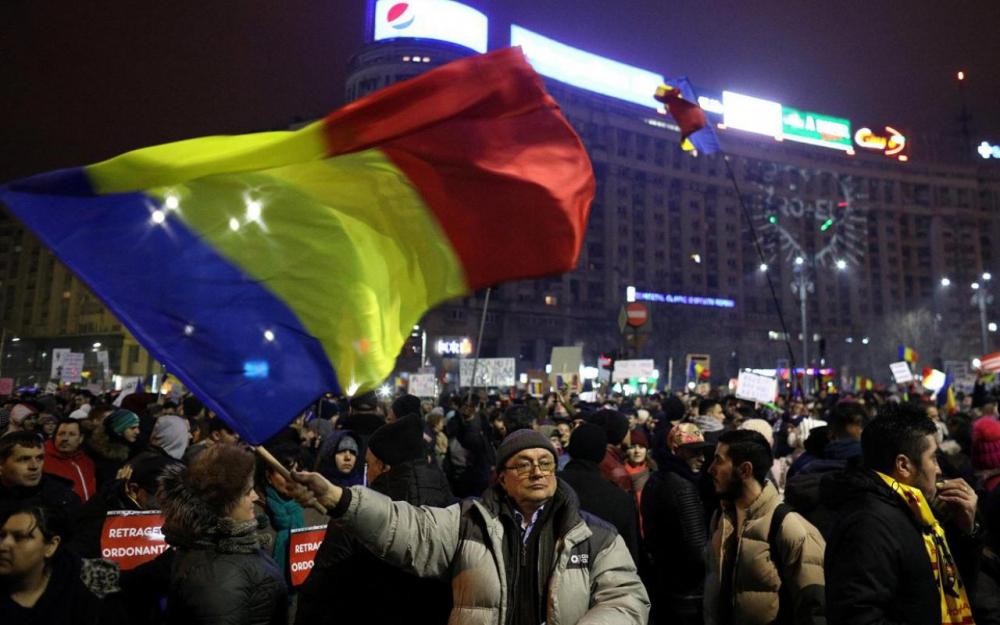 Le gouvernement roumain abroge son décret sur la corruption
