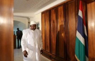 Gambie: protestation après l'agression d'un journaliste par des pro-Barrow