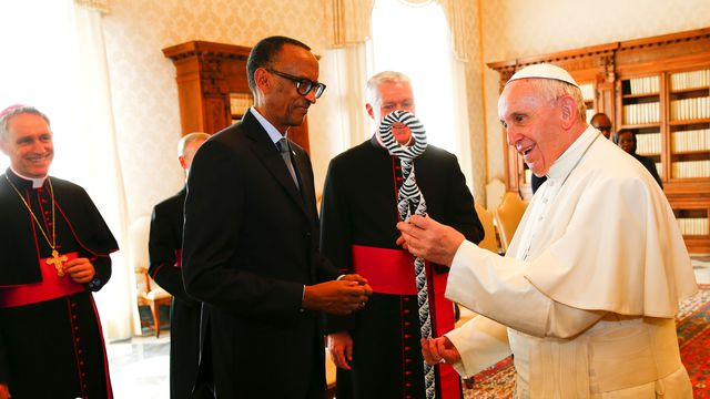 Paul Kagame reçu par François le 20 mars