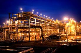 L'Arabie baisse l'impôt sur les firmes pétrolières avant une privatisation d'Aramco