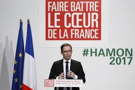 Hamon dénonce Valls et Macron, appelle Mélenchon à le rejoindre