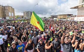 L'exécutif propose un plan à 4 milliards d'euros pour la Guyane