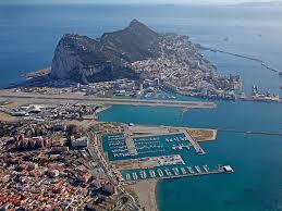 """Londres ne cèdera """"jamais"""" la souveraineté sur Gibraltar sans accord de la population (May)"""