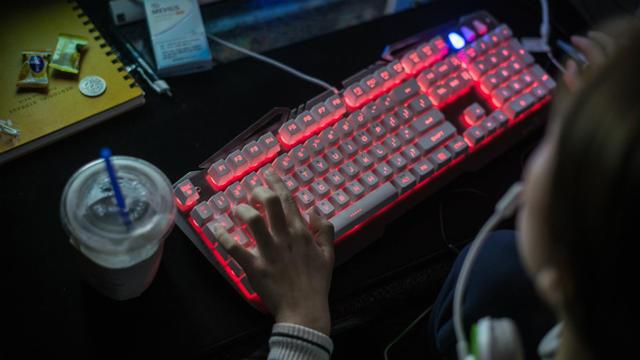 Un Russe écroué en Espagne en lien avec le « piratage » des élections américaines