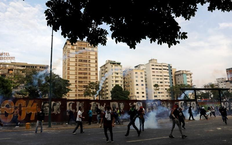 Venezuela: L'agitation s'étend aux quartiers populaires, deux morts