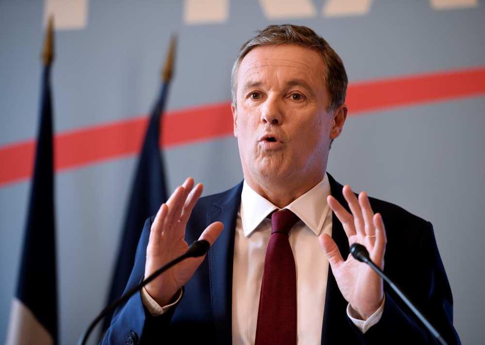 Nicolas Dupont-Aignan appelle à voter pour Marine Le Pen