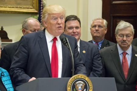 USA: Trump réitère sa menace de démanteler les grandes banques