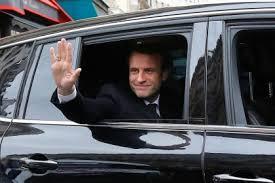 Macron, entre cuisine française et marmite africaine