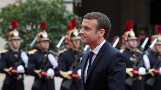 France: Emmanuel Macron, le nouveau Président, entre à l'Elysée
