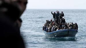 Près de 2.900 migrants secourus jeudi au large de la Libye