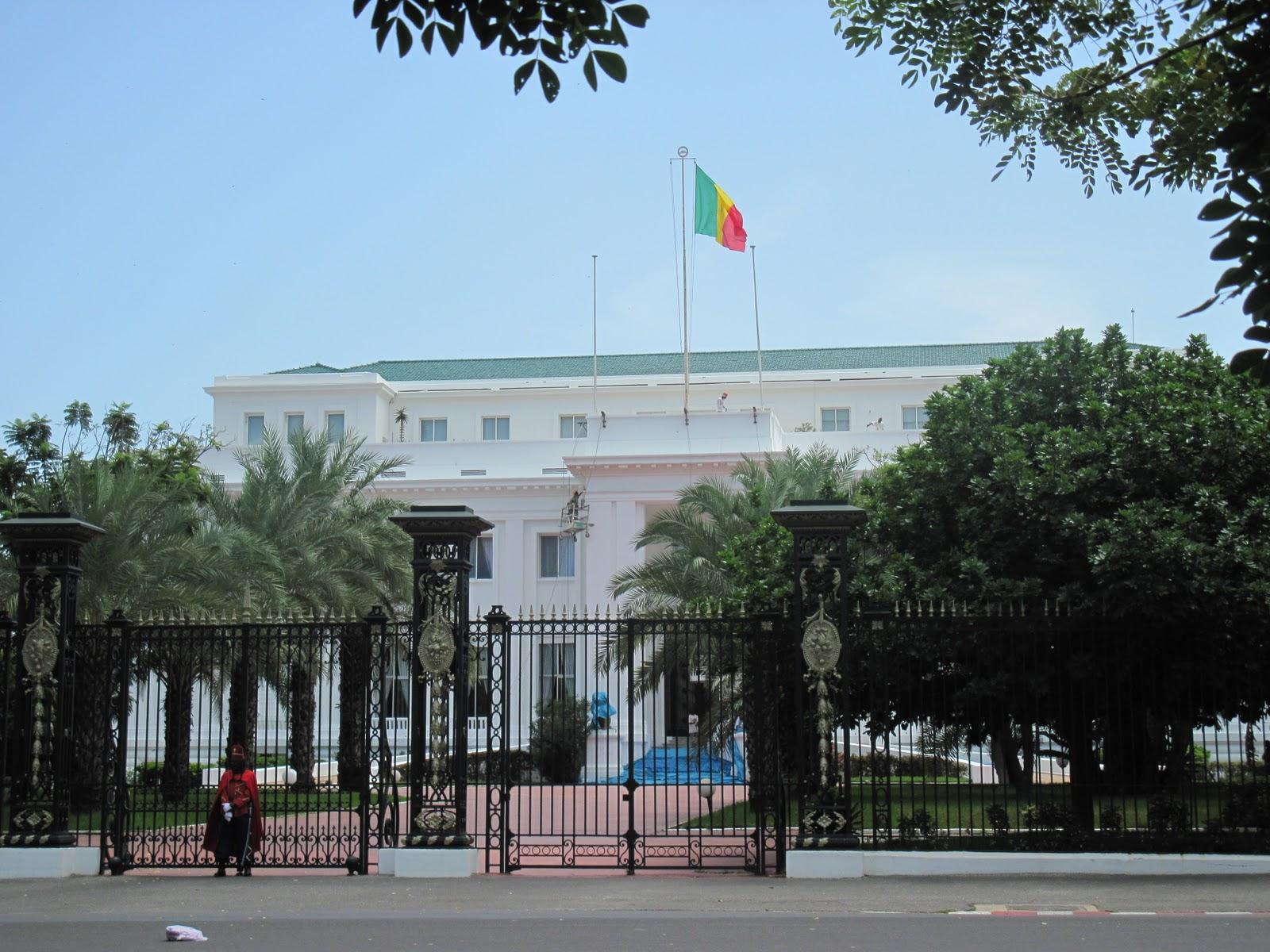 Distribution automatique d'argent au Palais : l'âge d'or de la corruption politique décomplexée