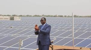 Sénégal: inauguration de la plus grande centrale photovoltaïque d'Afrique de l'Ouest