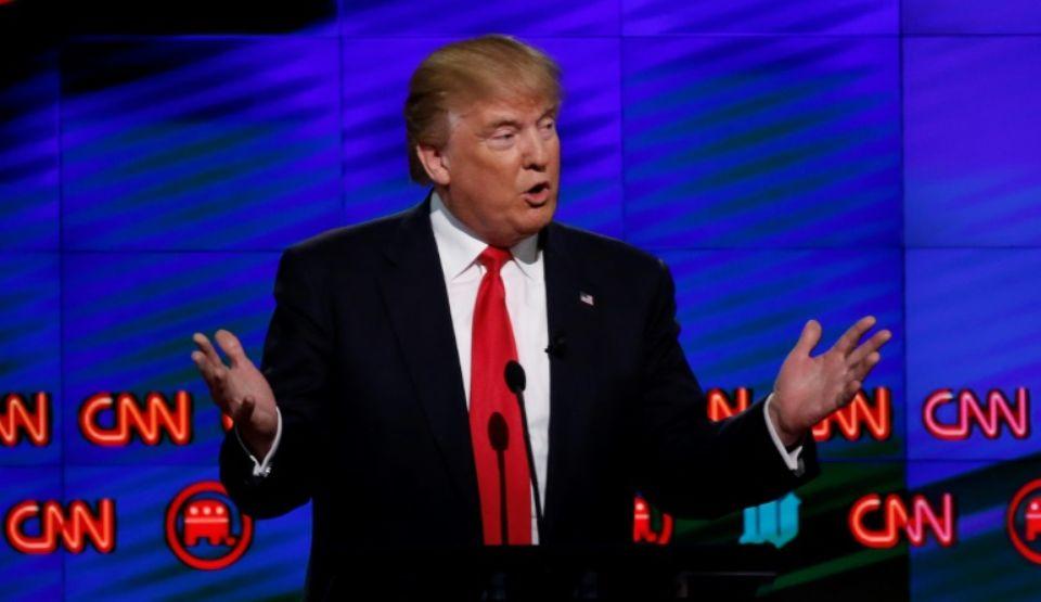 Escalade sur Twitter : Trump se met en scène dans une bagarre avec CNN