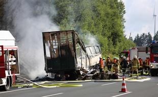 """Accident de car en Allemagne: """"probablement 18 morts"""", selon la police"""