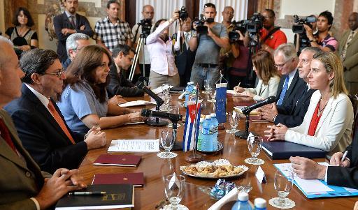 """L'UE scelle son rapprochement """"historique"""" avec Cuba"""