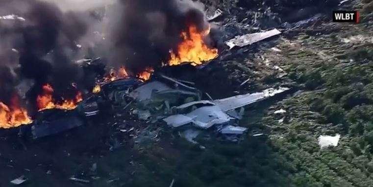 Etats-Unis: 16 morts dans le crash d'un avion militaire