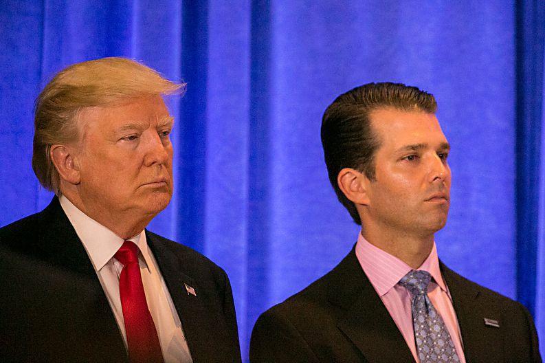 Un fils Trump admet avoir accepté l'aide de Moscou pour nuire à Clinton