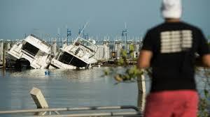Les Keys découvrent l'ampleur des dégâts d'Irma, colère dans les Caraïbes