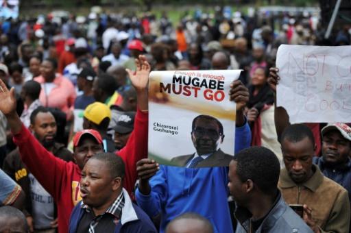 Des Zimbabwéens dans la rue pour demander le départ de Mugabe