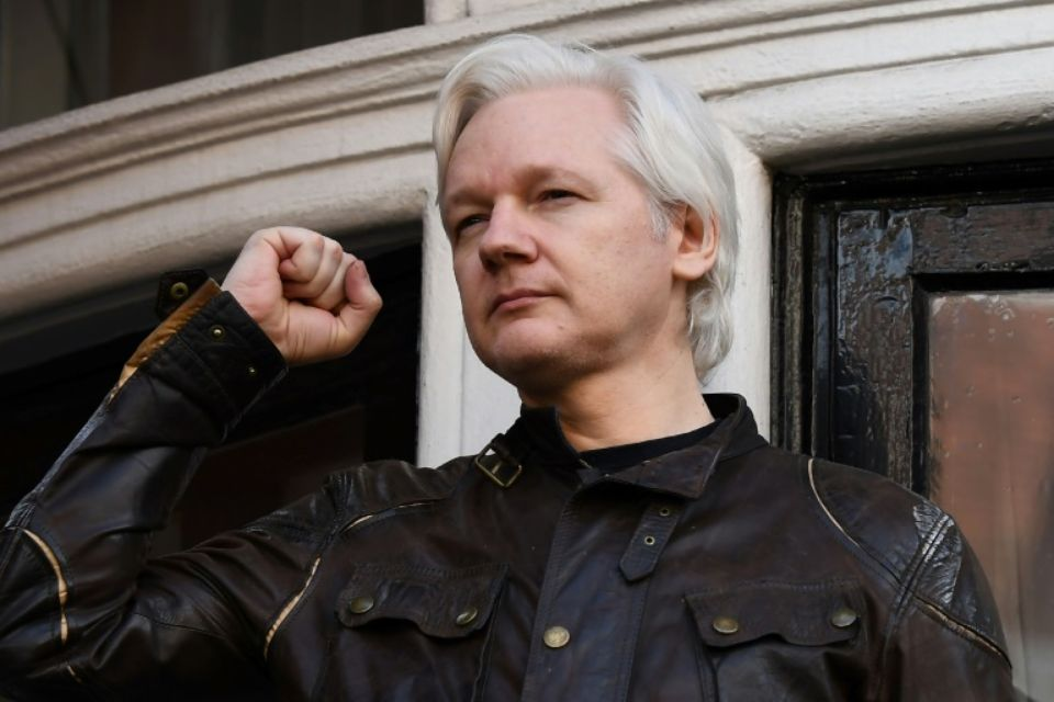 L'Equateur naturalise Assange mais n'obtient pas sa protection diplomatique