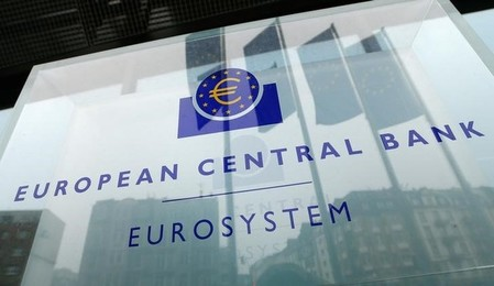 L'euro, dopé par l'accord en Allemagne, au plus haut en trois ans face au dollar