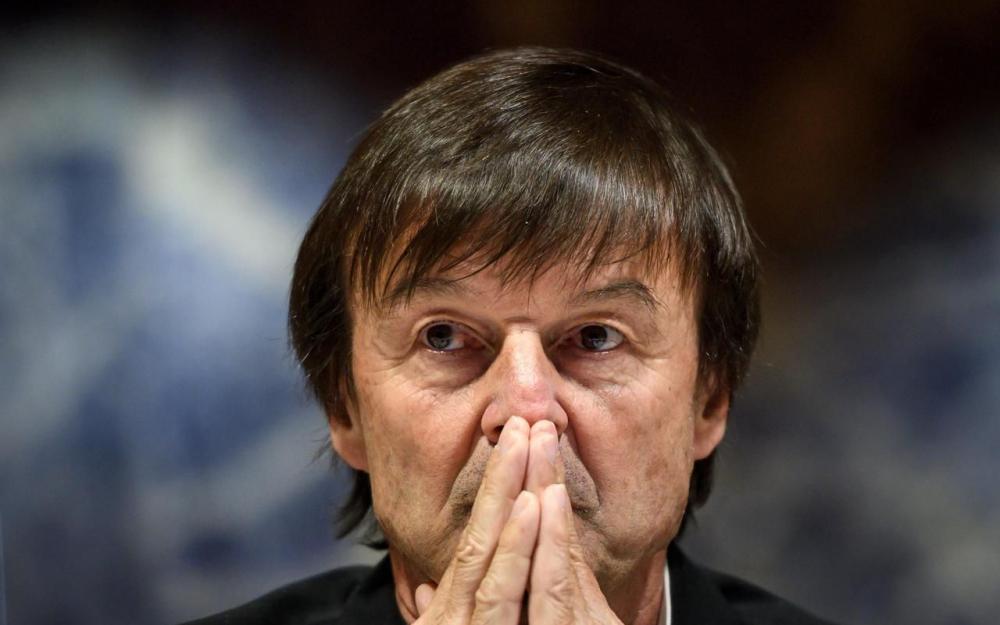 Hulot va déposer plainte contre Ebdo pour diffamation
