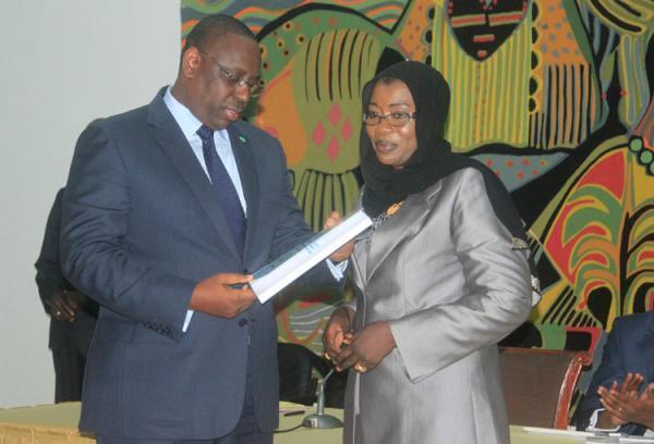 Nafi Ngom Keïta avec Macky Sall avant son limogeage