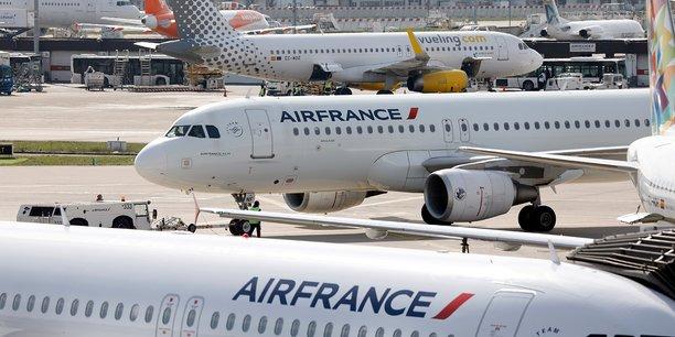 Grève à Air France: 70% des vols assurés mardi (direction)