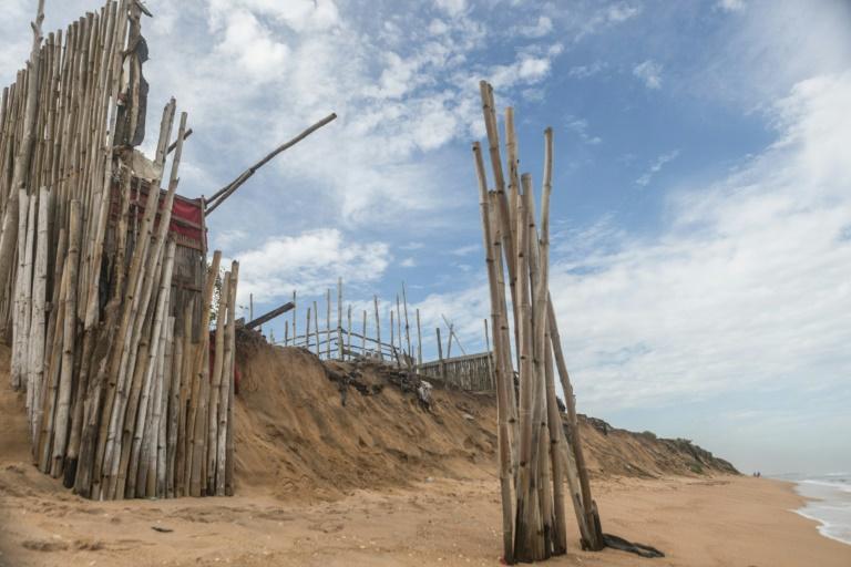 Au Togo, la mer avance et les communautés de pêcheurs doivent quitter les rivages