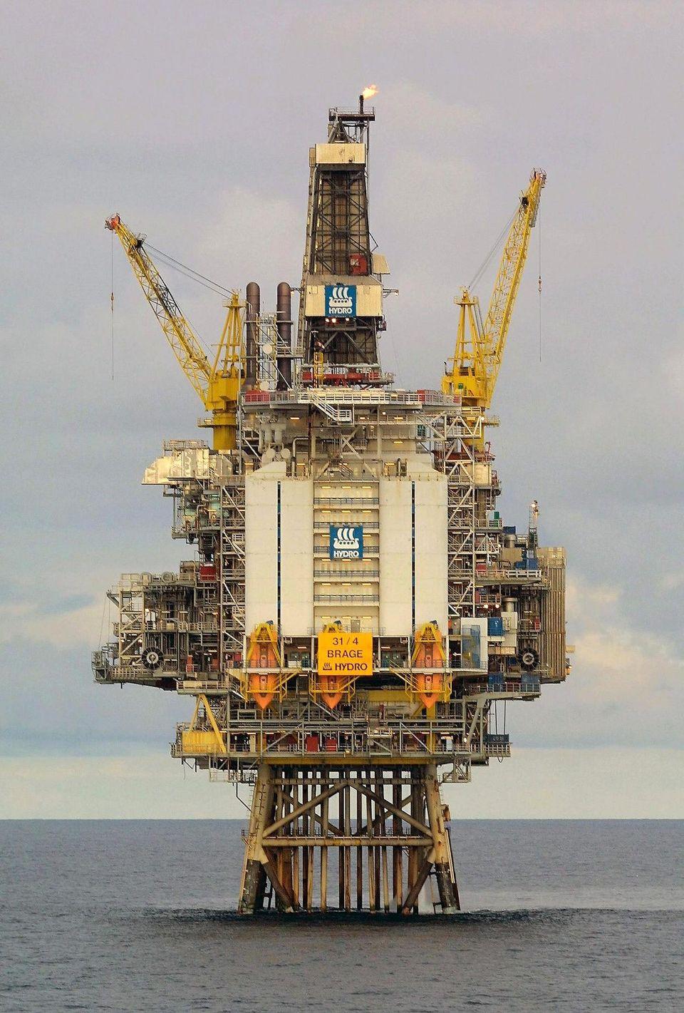 Le pétrole, rattrapé par des interrogations sur l'Opep, termine en petite hausse