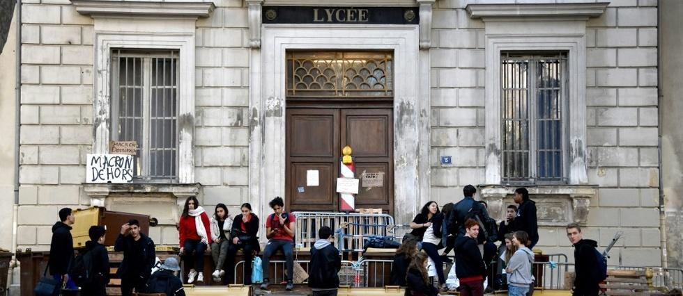 France: Poursuite des blocages et perturbations dans les lycées