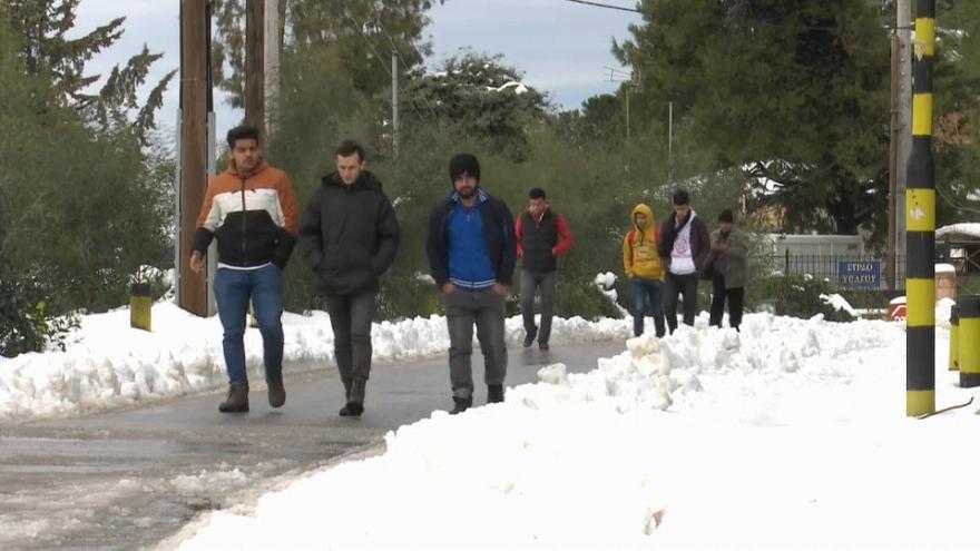 Oxfam dénonce les conditions de vie dans les camps de migrants en Grèce