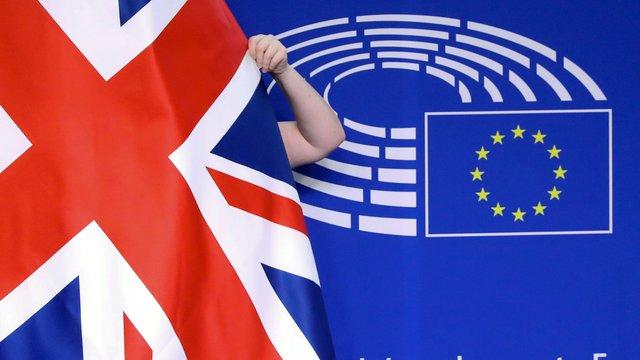 """Brexit: Le Royaume-Uni en """"zone d'urgence"""", s'alarme le patronat britannique"""