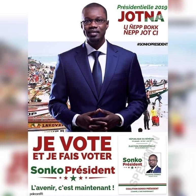 """""""La gueule de l'emploi"""": l'affiche électorale d'Ousmane Sonko"""