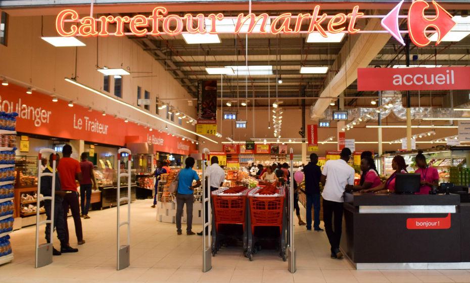 Carrefour entre illégalement au Sénégal pour contrer Auchan qui construit illégalement : Les preuves du Sall Mackyage d'un gouvernement soumis à l'impérialisme