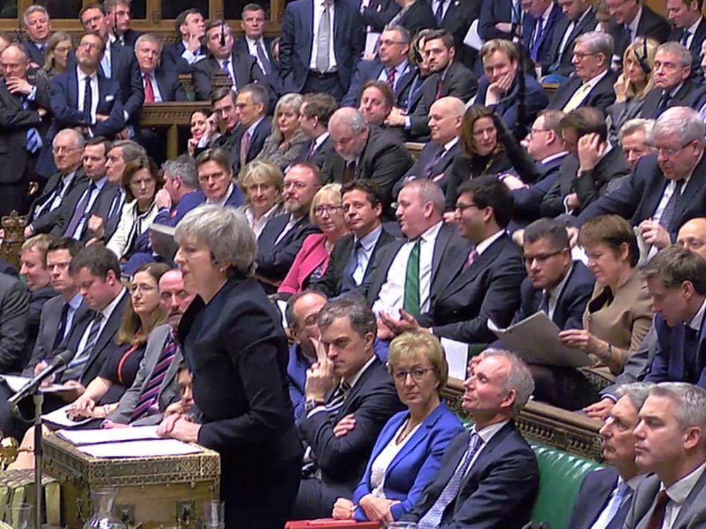 Theresa May présente le report du Brexit aux parlementaires