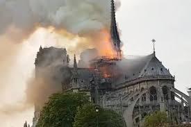 Macron reporte son allocution en raison de l'incendie à Notre-Dame