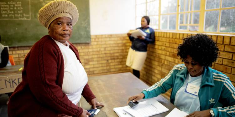 Premiers résultats en Afrique du Sud, l'ANC sous les 60%