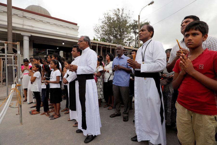 Prières un mois après les attentats de Pâques