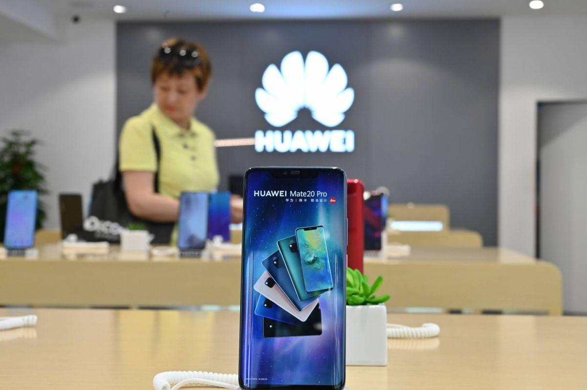 Huawei, victime de Trump, voit plonger ses ventes