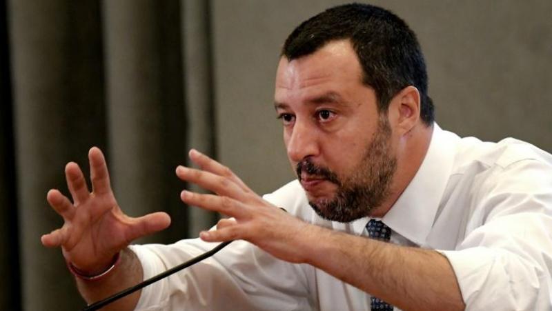Salvini éclate la coalition au pouvoir et réclame des élections anticipées